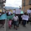 Protestas de afectados por derrame de mercurio en Chorpampa contra la firma del acuerdo resolutivo entre la Municpalidad Provincial de Cajamarca y Newmont (Minera Yanacocha).