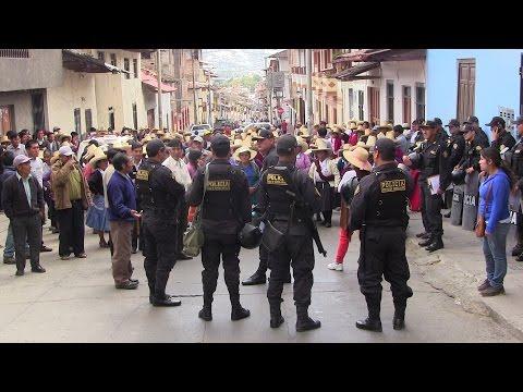 Embedded thumbnail for COMUNEROS DE PORCÓN INDIGNADOS  Responsabilizan a Minera Yanacocha por la falta de agua.